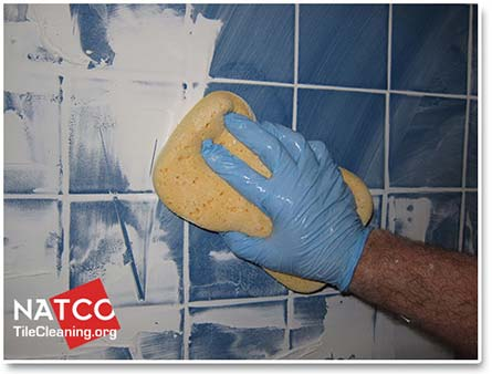 Cleaning Excess Grout With A Grout Sponge